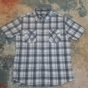 Men's short sleeved button up shirt
